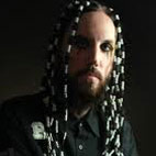Guitarist Head Rejoins Korn On Stage