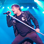 Iron Maiden Turning Piracy Into Profit, Report Suggests